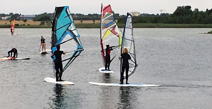Der Windsurf-Auffrischer-Kurs