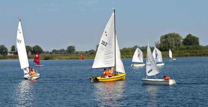 Jollen- und Opti-Segelkurse bei Wassersport Charchulla