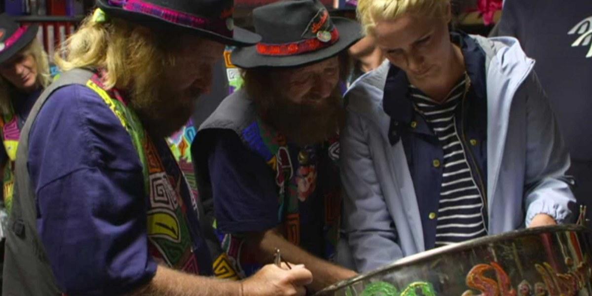 NDR-Inselreportagen: Judith Rakers fährt mit den Charchulla-Twins Tandem